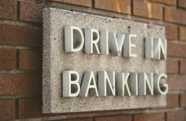Drive in Banking Logo