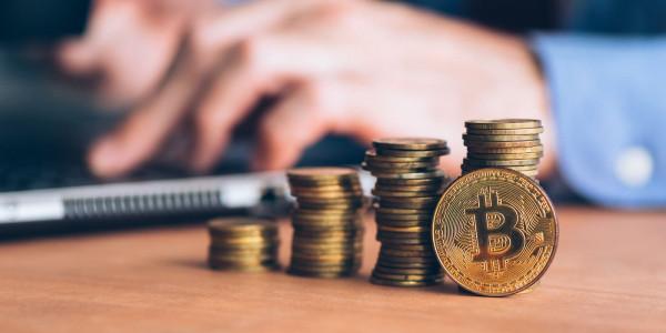 Anleger investieren langfristig in Bitcoin