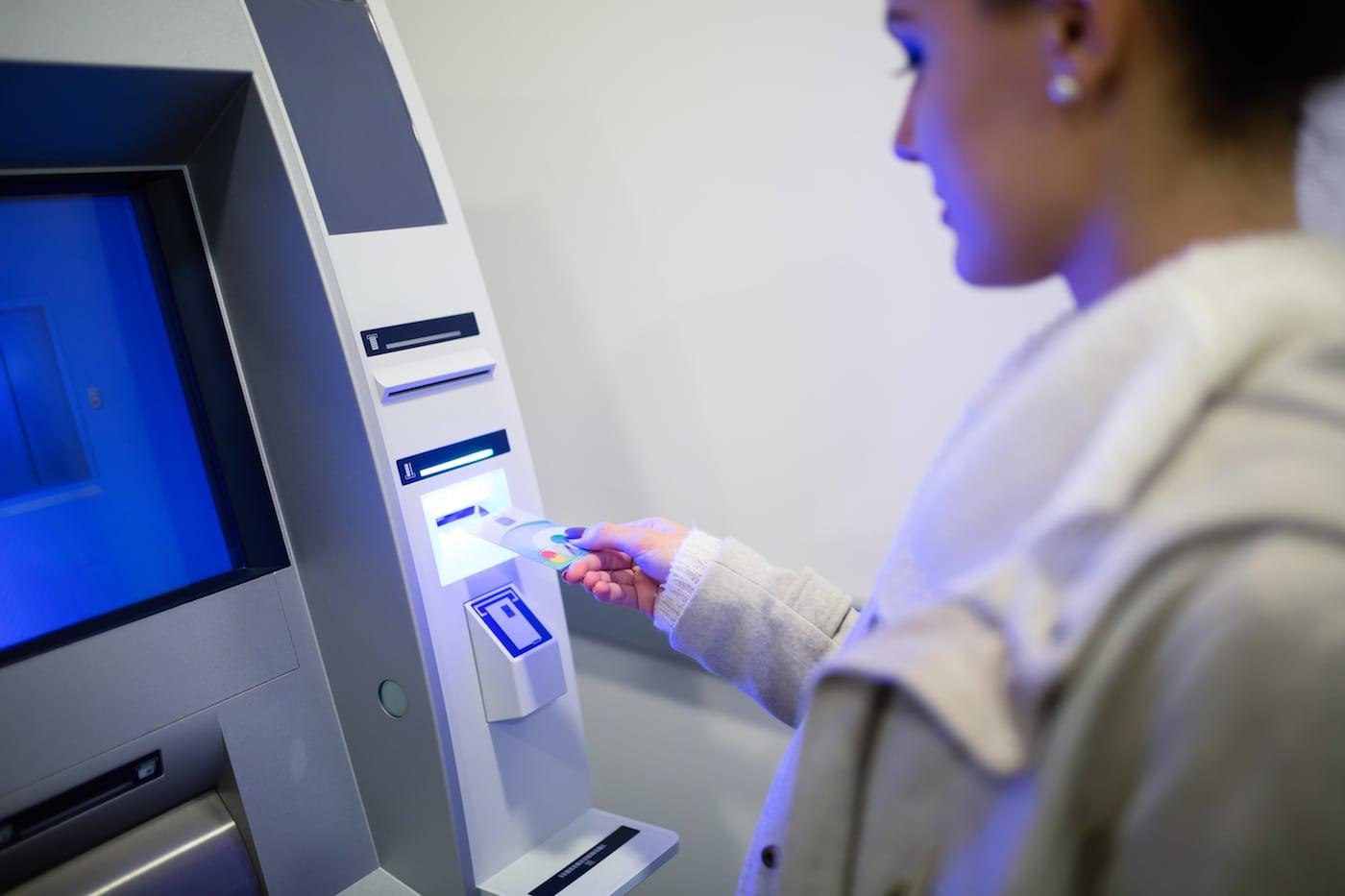 Nexo Kredit am Bankautomat auszahlen